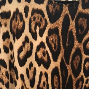 Dresses - Leopard print dress size small with pockets